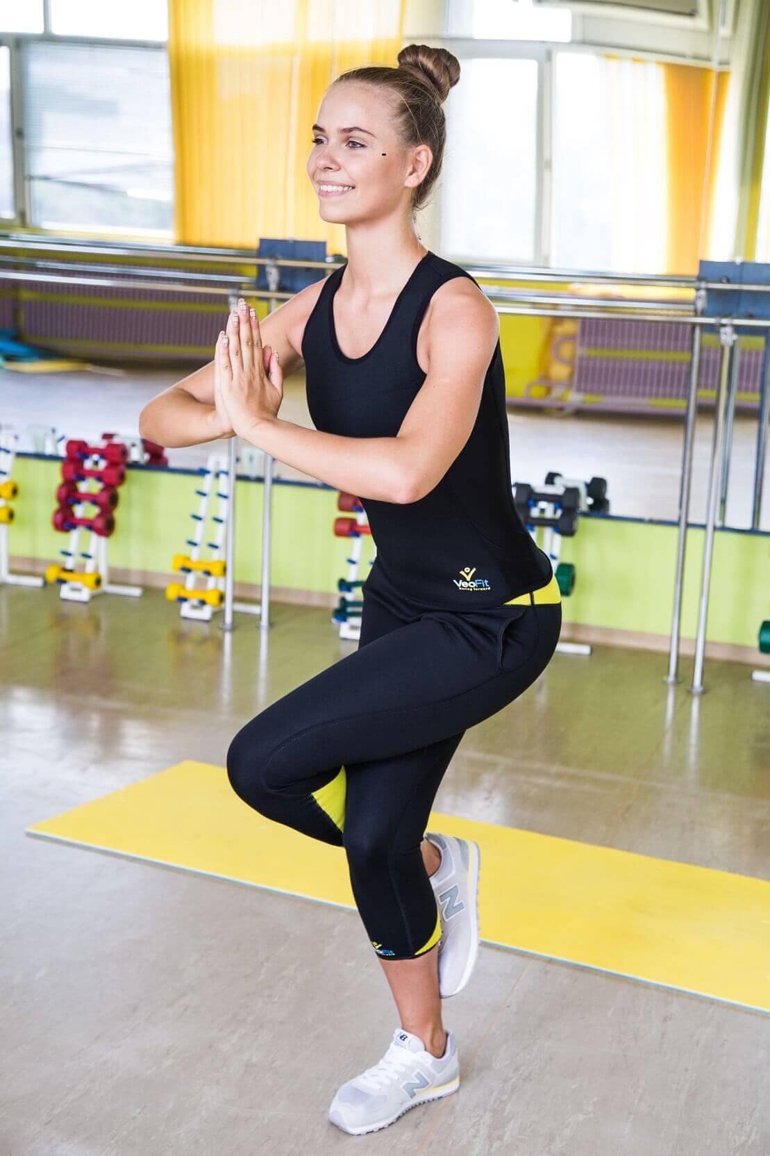 débardeur pantalon tenue yoga